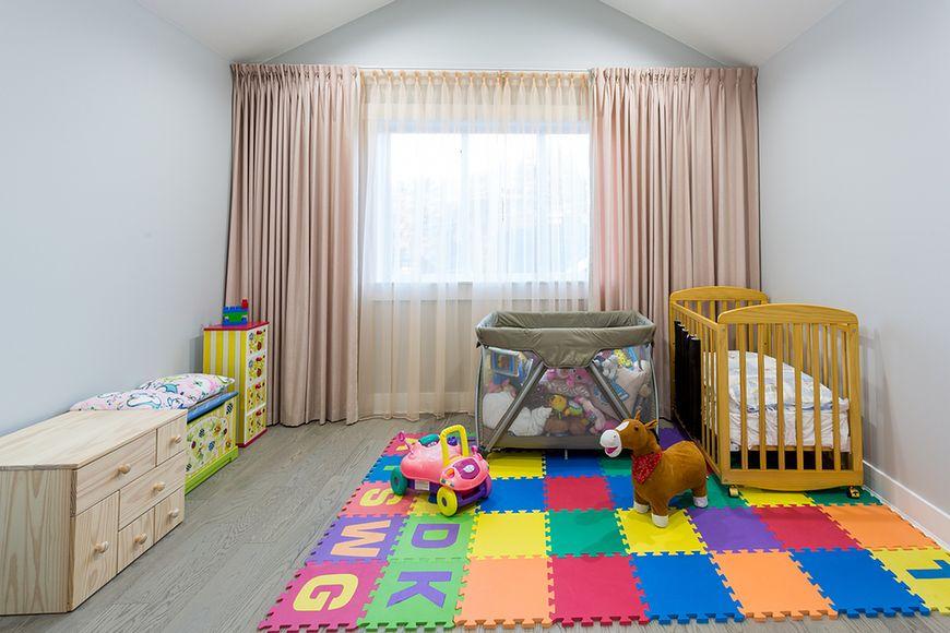 Kolorowy dywan z pianki