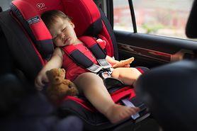 Jak bezpiecznie podróżować z dzieckiem?