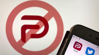 Parler pozywa Amazona, po tym jak firma wykopała go ze swoich serwerów - Przekreślone logo Parlera. Zdjęcie ilustracyjne (Getty Images)