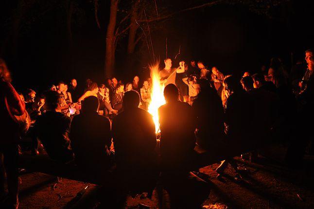Wspólne ogniska szkoda, że coraz rzadziej już integrują.