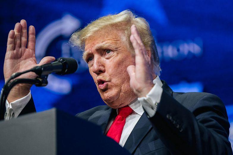 """Trump zapytał: """"tęsknicie już za mną?"""". Nie spodziewał się tej reakcji"""