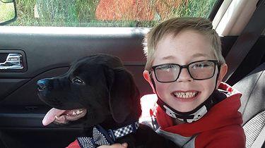 Ośmiolatek sprzedał swoje karty z Pokemonami by ratować ukochanego psa - Bryson Kliemann