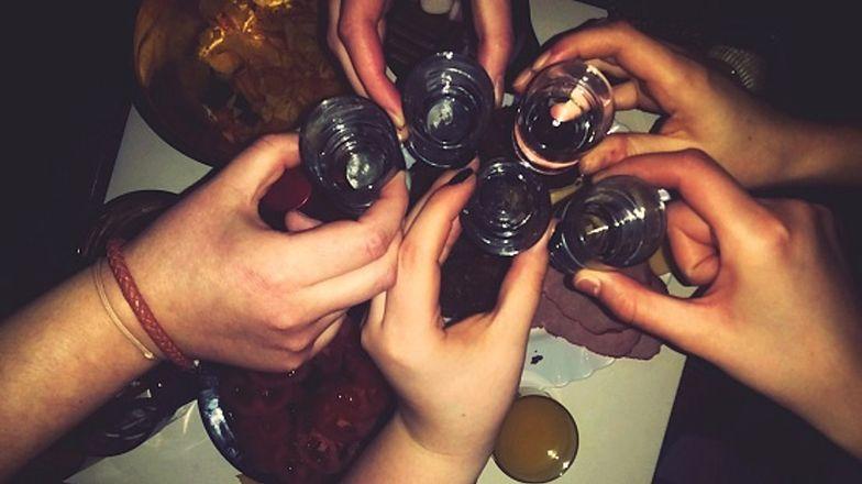 Który alkohol lepiej omijać, nawet jeśli chcemy wypić tylko trochę?