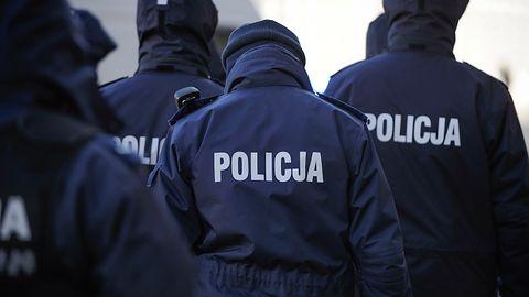 Policja rozbiła polską grupę cyberprzestępców. Okradli dziesiątki tysięcy ludzi