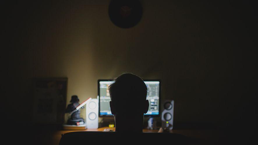 Roczne zyski cyberprzestępców liczy się w bilionach dolarów
