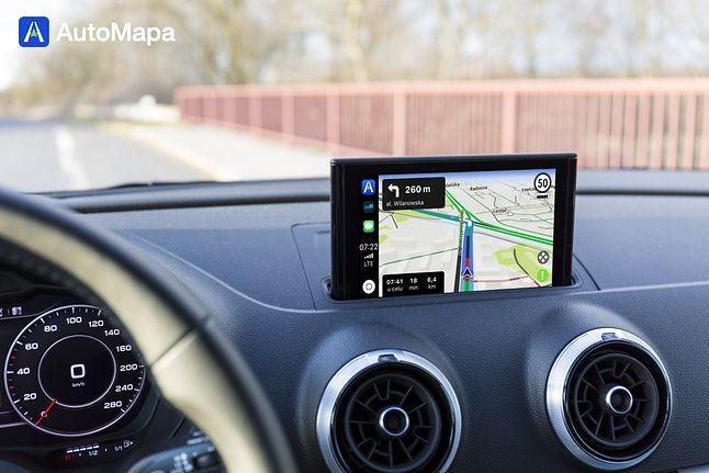 AutoMapa w Apple CarPlay.
