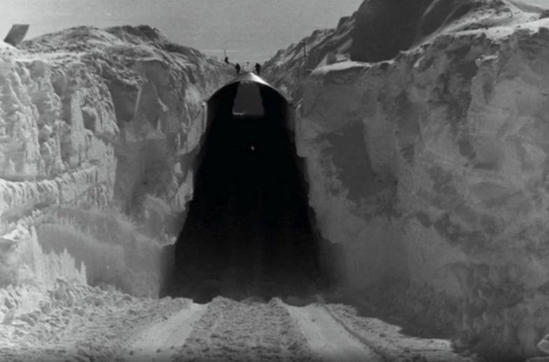 Grenlandia. Po 50 latach ujawniono, co było 1,4 km pod lodem. To ostrzeżenie
