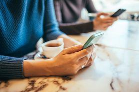 Smartfony mogą powodować hemoroidy. Naukowcy ostrzegają przed zwiększonym ryzykiem chorób odbytu