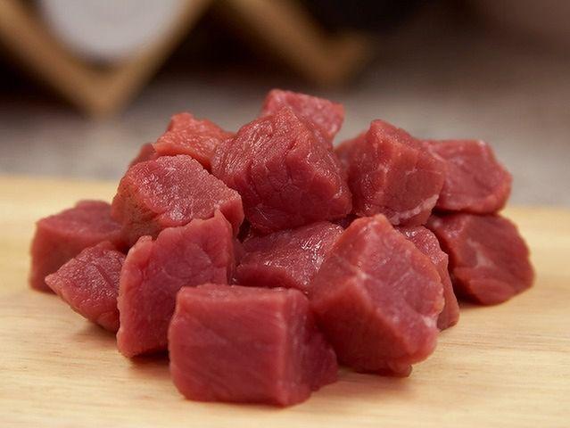 Nie powinno się jeść mięsa, bo to źródło szkodliwych tłuszczów