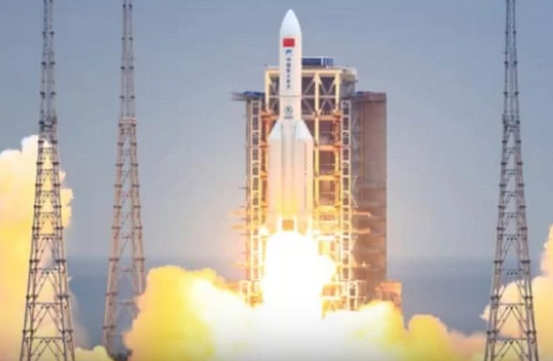 Eksperci ostrzegają. Niekontrolowana chińska rakieta spada na Ziemię