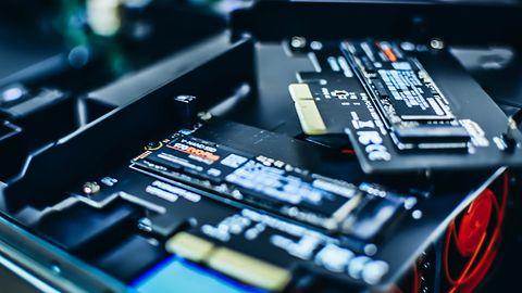 Intel sprzedaje dział dysków SSD. Przejmuje go SK Hynix - a co z Optane?