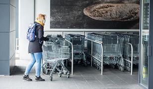 Rekordowa inflacja już odbija się na cenach w sklepach. Najtaniej w Lidlu