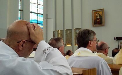 Rosną wydatki na duchownych. 133 mln zł na składki emerytalne i zdrowotne z Funduszu Kościelnego