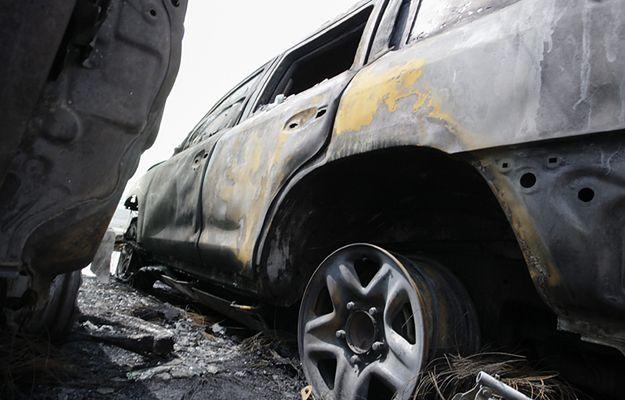 Spłonęły cztery opancerzone samochody misji OBWE na Ukrainie