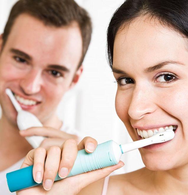 Tajemnica męskiego uśmiechu. Jak najlepiej o niego zadbać?