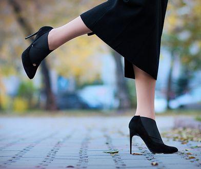 Eleganckie botki na szpilce świetnie pasują do ołówkowej spódnicy