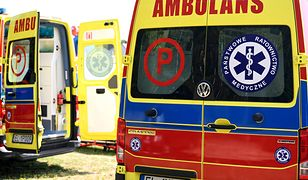 Wypadek busa na A2. Jedna ofiara, osiem osób rannych