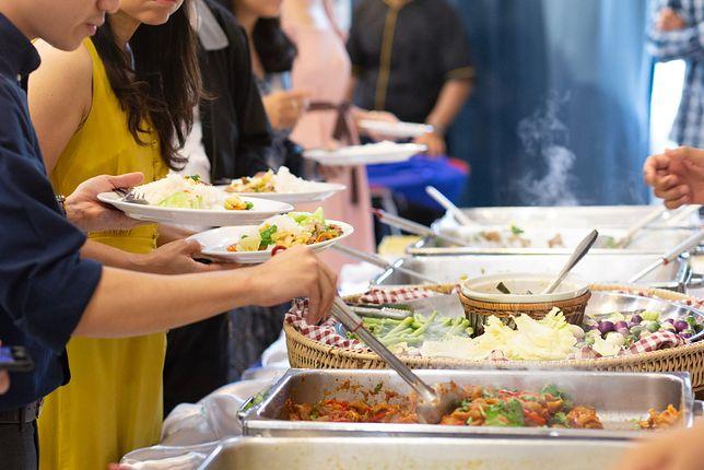 Posiłki w ramach all inclusive są serwowane w formie bufetu