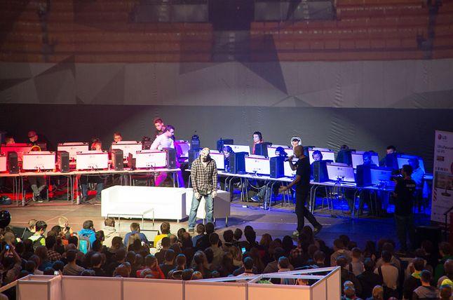 Prezentacja Dying Light, na scenie pojawił się ekspert od zombi, którego zadaniem było dbać o to, by zombi wyglądały naturalnie ;)