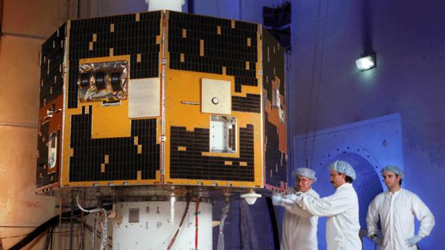 Satelita IMAGE podczas budowy