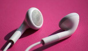 Twoje słuchawki komputerowe mogą cię podsłuchiwać nawet z kilku metrów
