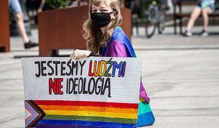 """Cała Unia będzie strefą wolności LGBT. Wójt Lipinek: """"dla mnie to grzech"""""""
