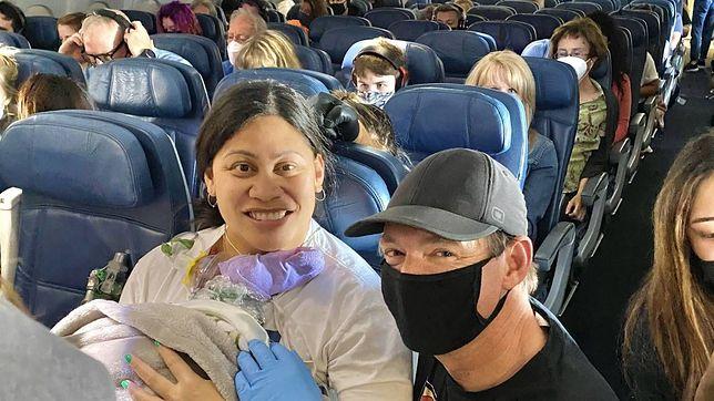 Urodziła na pokładzie samolotu