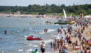 Plaża w Sopocie jest jedną z najchętniej odwiedzanych na polskim wybrzeżu.