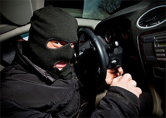 Absurdalny przepis uderza w okradzionych kierowców
