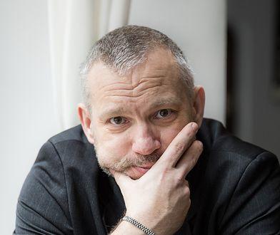 Zadebiutował w 2008 r. Po dekadzie obecności na rynku powraca z ulubionym bohaterem polskich czytelników
