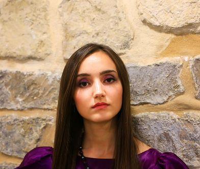 Fioletowy makijaż oczu to dobry pomysł na wieczór