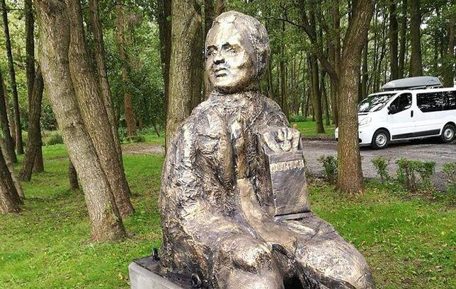 Pomnik byłego szefa klubu Prawo i Sprawiedliwość Przemysław Gosiewski, który zginął w katastrofie smoleńskiej.