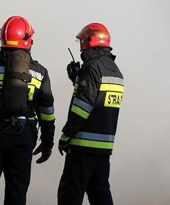 Warszawa. Na Tarchominie zapalił się samochód terenowy