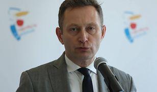 Paweł Rabiej wyjechał za granicę bez zgody. Jest decyzja o dymisji. Ostry komentarz Trzaskowskiego
