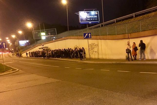 Przystanek autobusowy pod centrum handlowym Bonarka w Krakowie