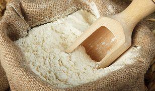Mycie włosów mąką żytnią to sprawdzona metoda wypróbowana przez wiele kobiet