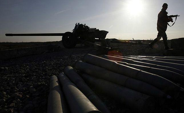 """Ogromne siły wojskowe Rosji na Ukrainie. """"Separatyści jak mięso armatnie"""""""