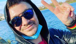 Daniel Martyniuk odpracowuje wyrok. Na słoneczku i z przerwami na papierosa