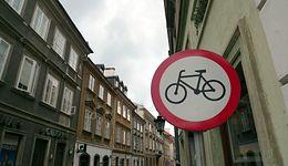 Dziurawa ustawa o elektromobilności. Surowa dla rowerów, łagodna dla starych diesli