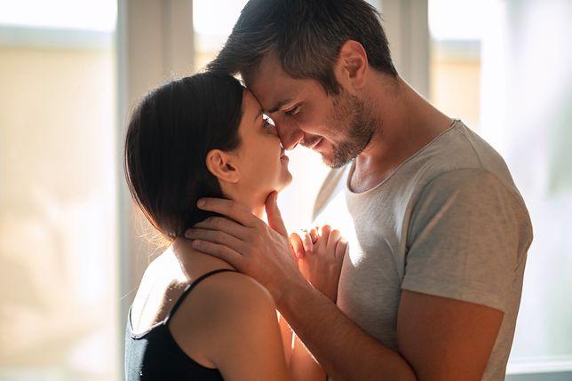 Czy seks w trójkącie może dobrze wpłynąć na związek?