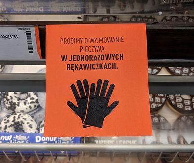 Nadchodzi koniec ery macania chleba w sklepie? Skutki koronawirusa w Polsce