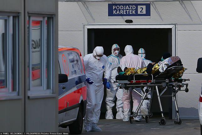 """Dyrektor szpitala w Krakowie: """"Pacjenci trafiają do nas w ciężkim stanie, prawie wszyscy z COVID-19 potrzebuje tlenu"""""""