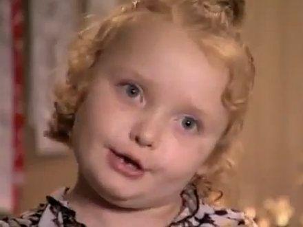 """Czy małe miss """"ćpają"""" podczas konkursów piękności?"""