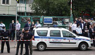Moskwa. Agencja TASS: Wziął zakładników. Grozi, że wysadzi dom. Policja: to nieprawda