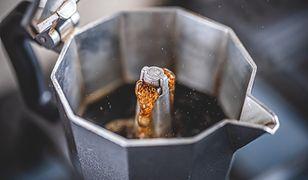 Smaczna, aromatyczna kawa. Postaw na niedrogie kawiarki