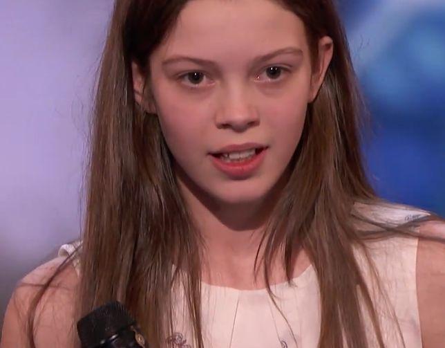 Nieśmiała Courtney, gdy tylko wyszła na scenę, przyznała, że się denerwuje