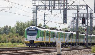 Koleje Mazowieckie: 44-letni mężczyzna wybił w pociągu dwie szyby