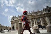 Chaos w okolicach Watykanu z powodu nielegalnego handlu