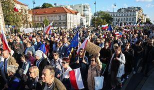 Ile osób uczestniczyło w marszu KOD-u? Odmienne szacunki ratusza i policji