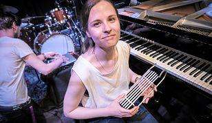Hania Rani jest najbardziej znana z duetu Tęskno i instrumentalnych wersji przebojów Grzegorza Ciechowskiego